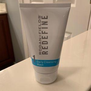 Rodan & Fields Redefine Daily Cleansing Mask